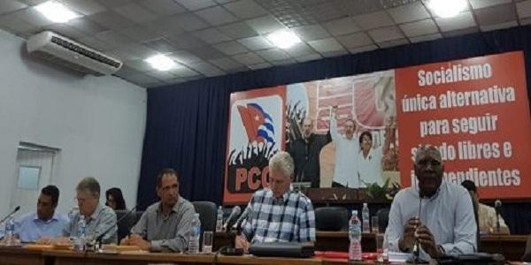 El país no se ha paralizado, afirma mandatario cubano
