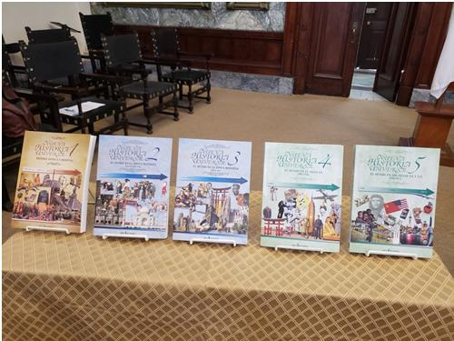 Autorités et intellectuels cubains assistent à la présentation du livre Nouvelle Histoire Universelle