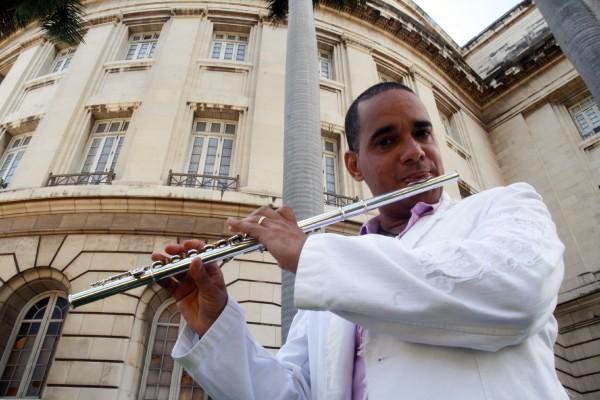 El más antiguo sello discográfico cubano propone homenaje a la flauta