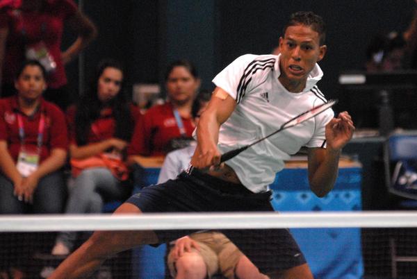 Osleni Guerrero avanza a la final en Torneo de Bádminton Giraldilla