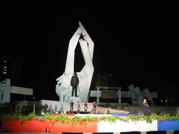 Camagüeyanos en vigilia por Fidel (+ Fotos)