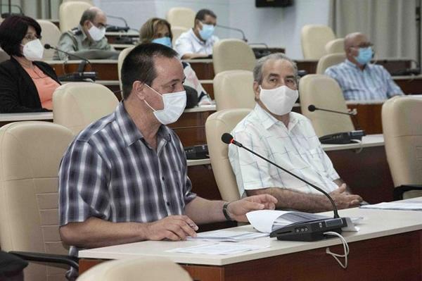 Convocan a intensificar esfuerzos en Cuba para el enfrentamiento a la COVID-19
