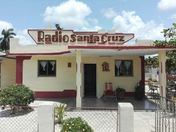 Con veracidad y emoción celebra Radio Santa Cruz 52 años en el éter (+ Audio y Fotos)