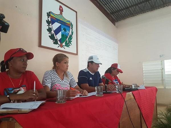 Autoridades de Camagüey intercambian con productores cubiteños sobre temas económicos  (+ Post)