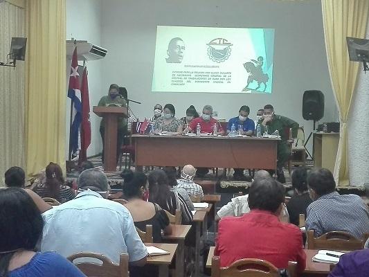 Secretario general de la CTC intercambia con dirigentes sindicales camagüeyanos