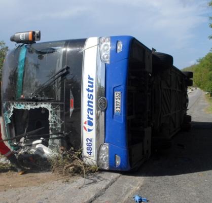 Reportado grave solo un lesionado de accidente de tránsito en Santiago de Cuba (+ Fotos)