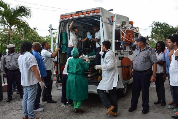 Asisten a sobrevivientes del siniestro aéreo en Cuba (+Fotos)