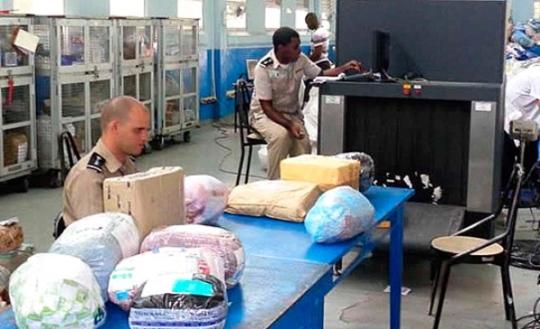 Advierte Aduana riesgos de importar a Cuba paquetes de agencias ilegales