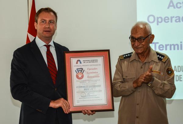 Terminal de Contenedores Mariel logra certificación de Operador seguro