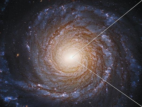 Científicos hallan algo inesperado cerca de un agujero negro