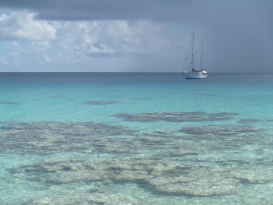 Islas oceánicas alertas ante amenaza del huracán Keni