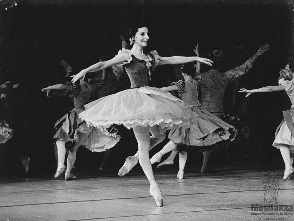 Alicia: toda la gloria de la danza clásica en seis letras (+Audio)