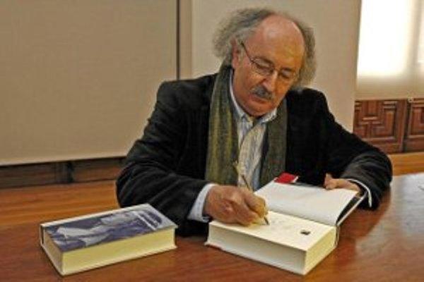 Otorgan al español Antonio Colinas el Premio de Poesía Iberoamericana