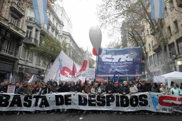 Protestarán centrales obreras argentinas para defender derechos laborales