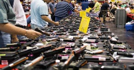 Se duplica en diez años venta de armas en EE.UU.