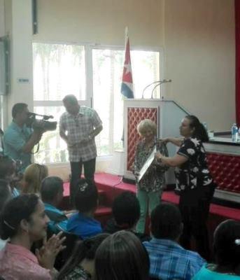 Distinción Artista de Mérito de la Radio cubana para periodista camagüeyana Miozotis Fabelo