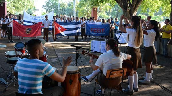 Se revitaliza en Camagüey la organización de los alumnos del nivel medio superior