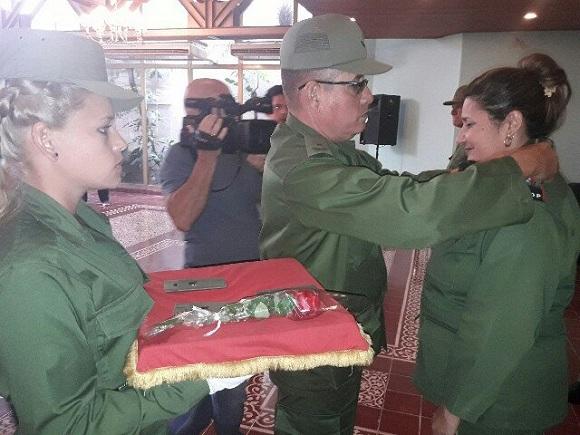 Ratifican milicianos camagüeyanos, en ceremonia de ascenso, compromiso con defensa de la Patria