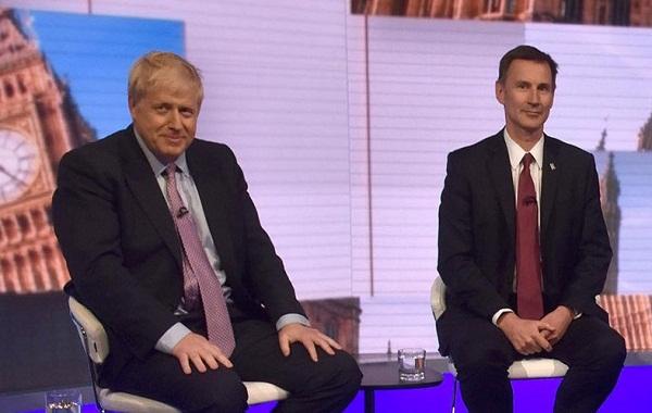 Dos conservadores  compiten por sustituir a la Primera Ministra británica