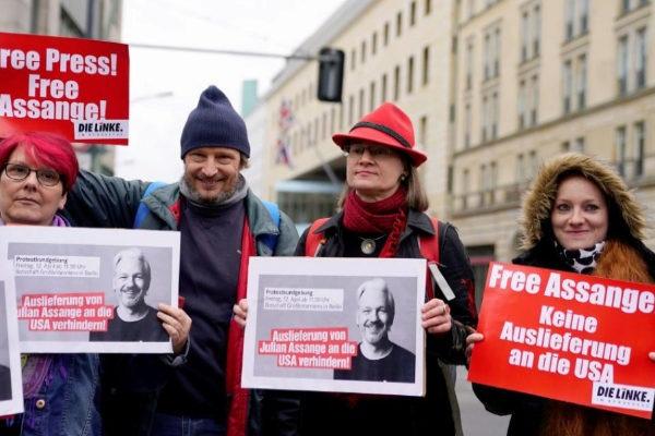 Solidaridad con Julian Assange en Berlín