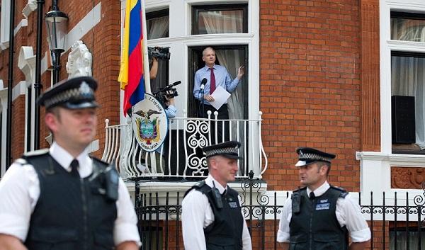 Parlamentarios exigen en Alemania liberación de Julian Assange