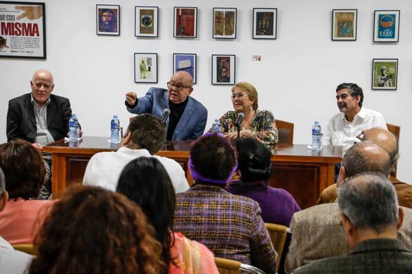 Dialoga Michelle Bachelet con artistas e intelectuales cubanos