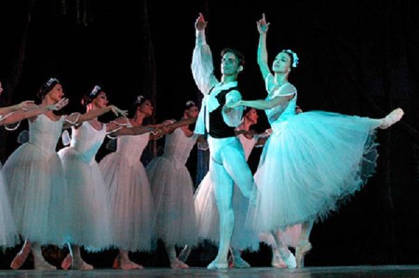 Ballet Nacional de Cuba en temporada de estrenos