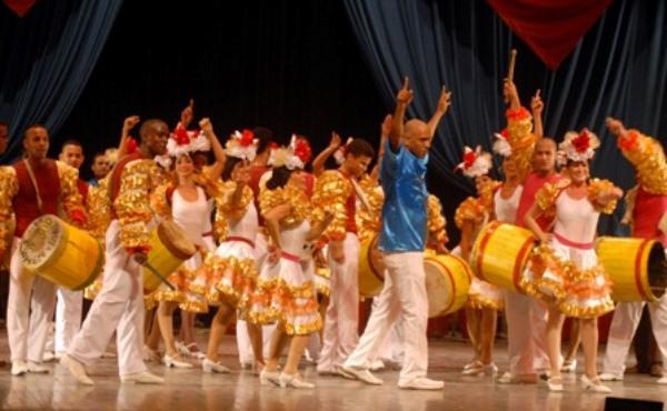 Con-cierto Aché se despidió de festival chileno el Ballet Folklórico de Camagüey