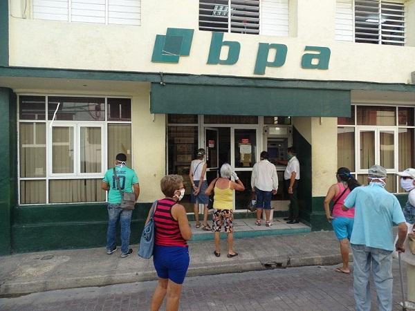 Garantiza el sistema bancario en Camagüey servicio a  jubilados (+ Fotos)