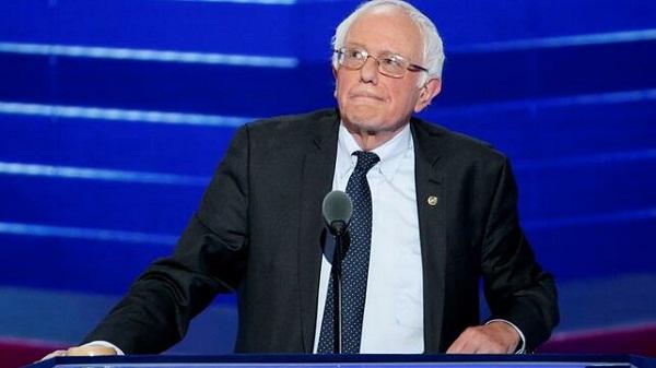Considera Sanders una locura tener en EE.UU. un presidente como Trump