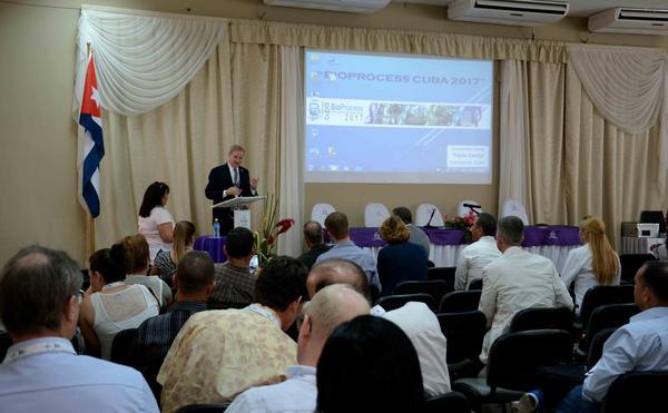 Sesiona en Camagüey Congreso Internacional BioProcess Cuba 2017
