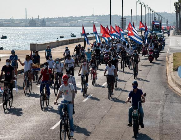 Juventud cubana: comprometida con la defensa de la Revolución