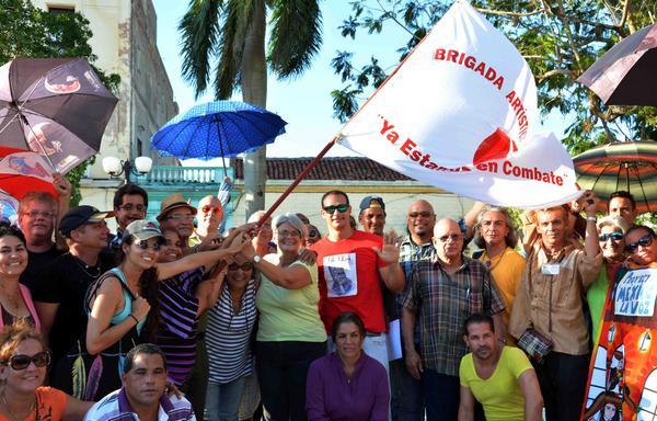 Artistas camagüeyanos portan bandera de la solidaridad