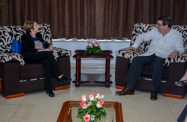 Recibe el Canciller cubano a Relatora Especial de la ONU sobre trata de personas