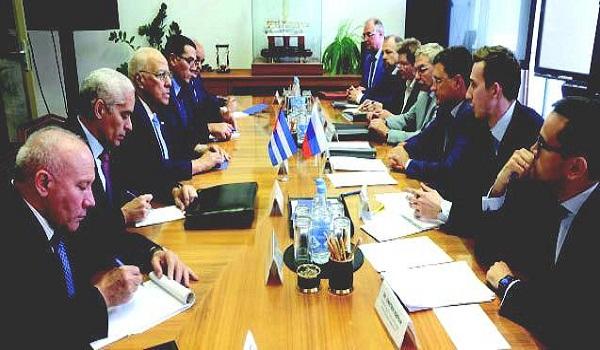 Rechaza Cuba bloqueo estadounidense en Foro de San Petersburgo y destaca cooperación rusa