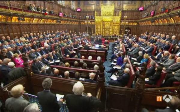 Aprueban Lores británicos enmienda a ley sobre el Brexit