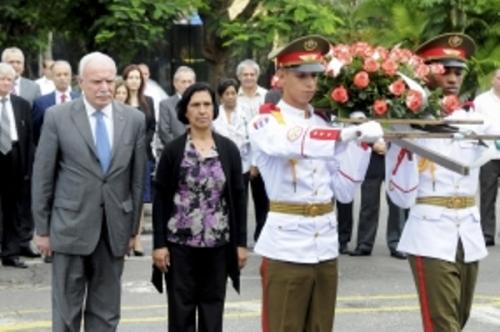 Canciller palestino rindió honor a Yasser Arafat en Cuba