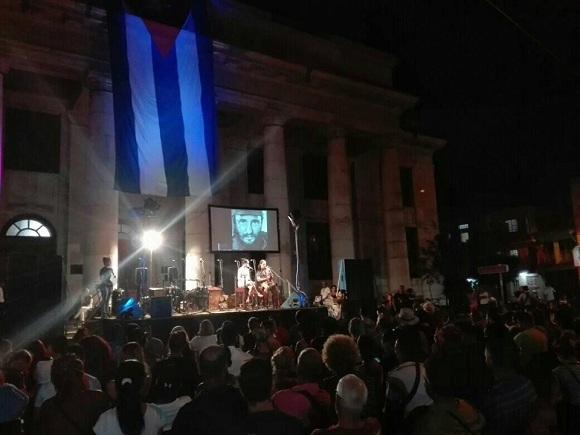 Arte para felicitar a un creador eterno en Cuba