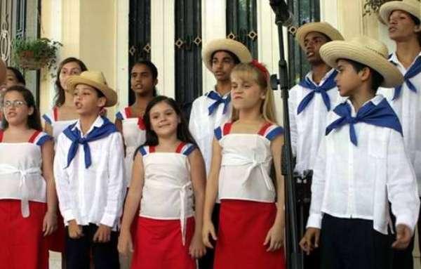 Un canto feliz por Martí