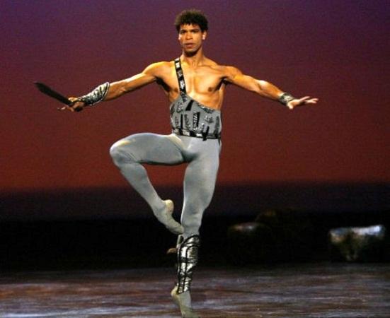 Dirigirá el cubano Carlos Acosta al Royal Ballet de Birmingham