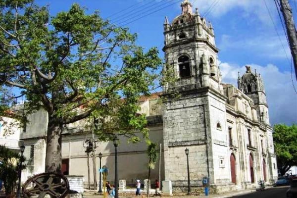 Minuciosa restauración devuelve esplendor a catedral ecléctica cubana