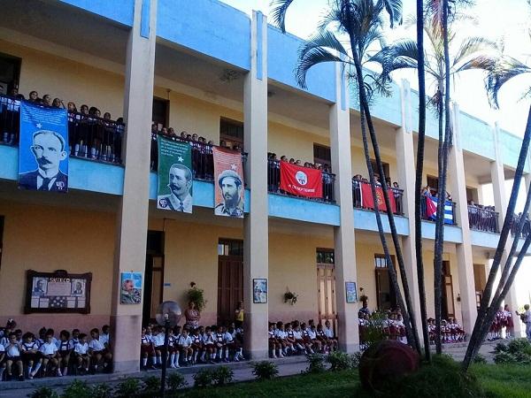 Reconocen a nivel nacional labor desde el barrio de escuela Primaria en Camagüey (+Fotos, Post y Audio)
