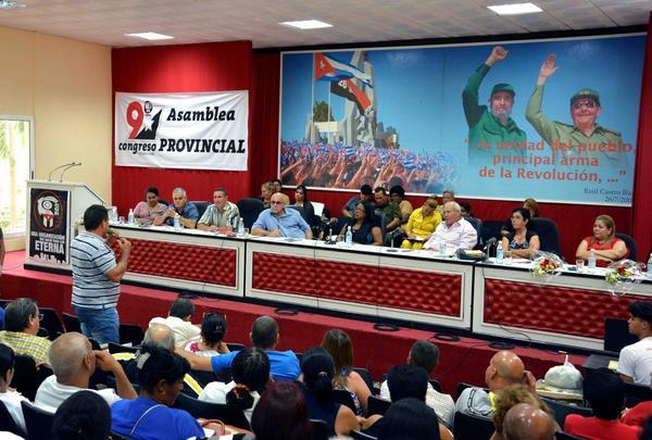 Mayor organización de masas analiza en Camagüey retos hacia su IX Congreso (+ Fotos)