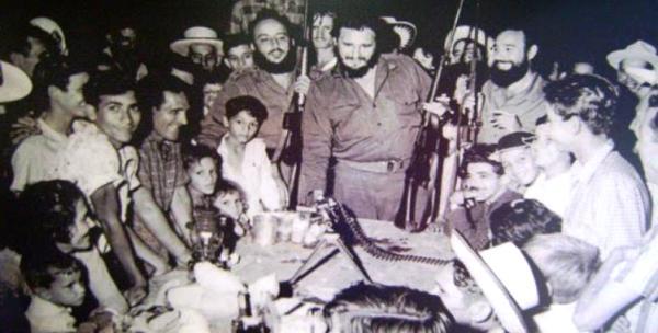 La cena de Fidel con los carboneros de Soplillar