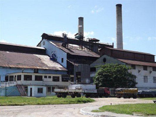 Refinería de azúcar Ignacio Agramonte procesa crudo camagüeyano