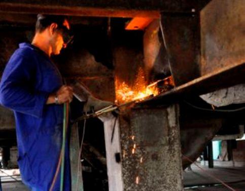 Constructores camagüeyanos ponen su granito de azúcar
