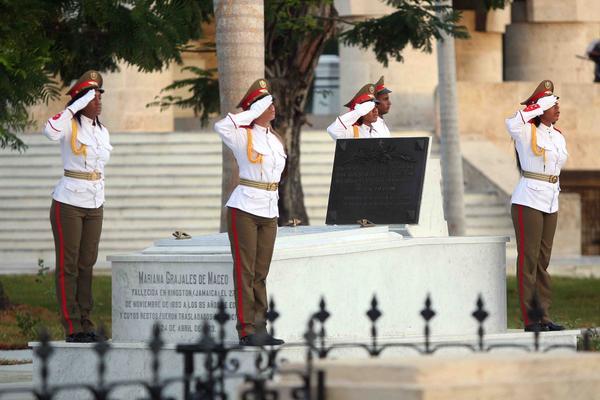 Honran en Santiago de Cuba a próceres de la independencia