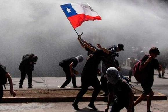 Decenas de detenidos durante las múltiples manifestaciones sociales en Chile
