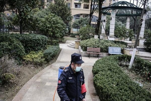 Cierran escuelas y sitios turísticos en China por epidemia derivada de coronavirus