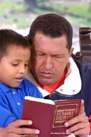 Hugo Chávez: el ávido lector defensor de la Literatura y el conocimiento